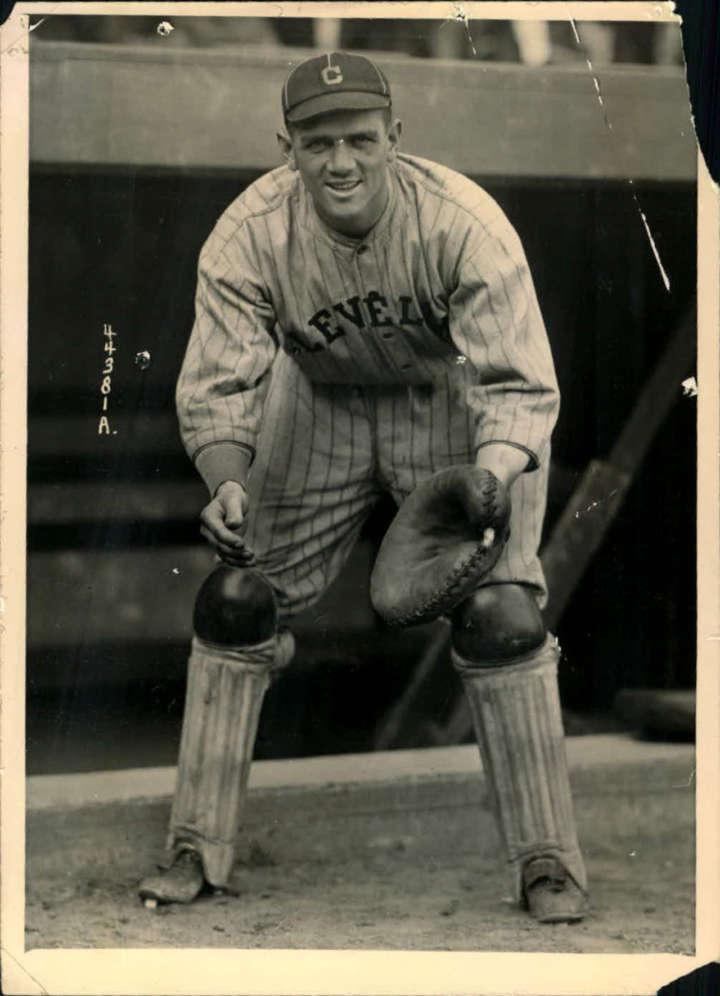 Baseball card of Cleveland Indians catcher Steve O'Neill