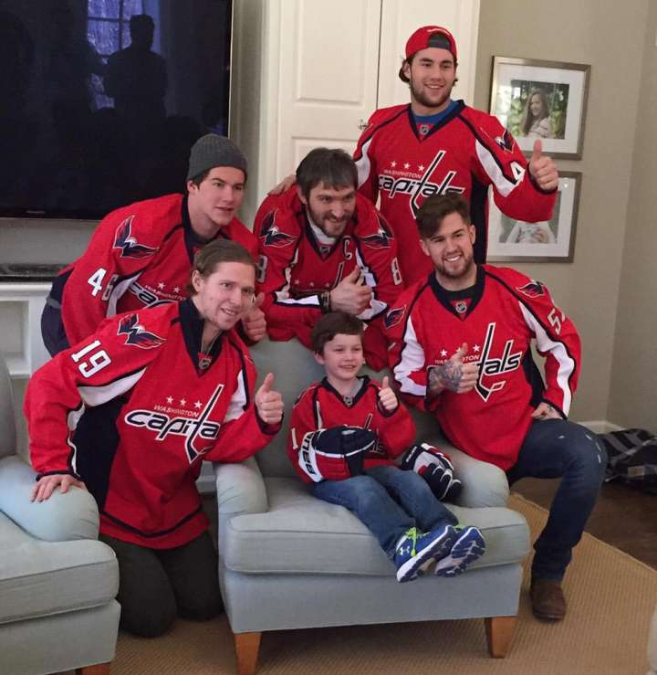 Bensten Schone and the Washington Capitals are all thumbs up
