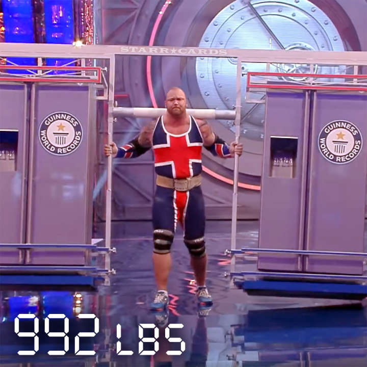'Game of Thrones' behemoth Thor Björnsson carries two fridges