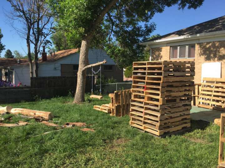 Gavin MacCall builds a Ninja Warrior obstacle course for his daughter: Wood pallets