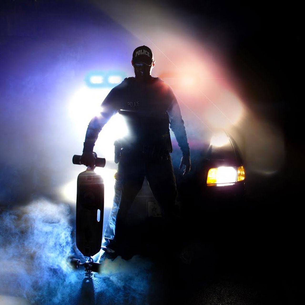 """Green Bay's """"Skateboard Cop"""" patrols city on longboard"""