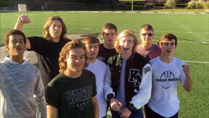 Kennesaw Mountain Mustangs football team supports Zach Seabaugh on 'The Voice'