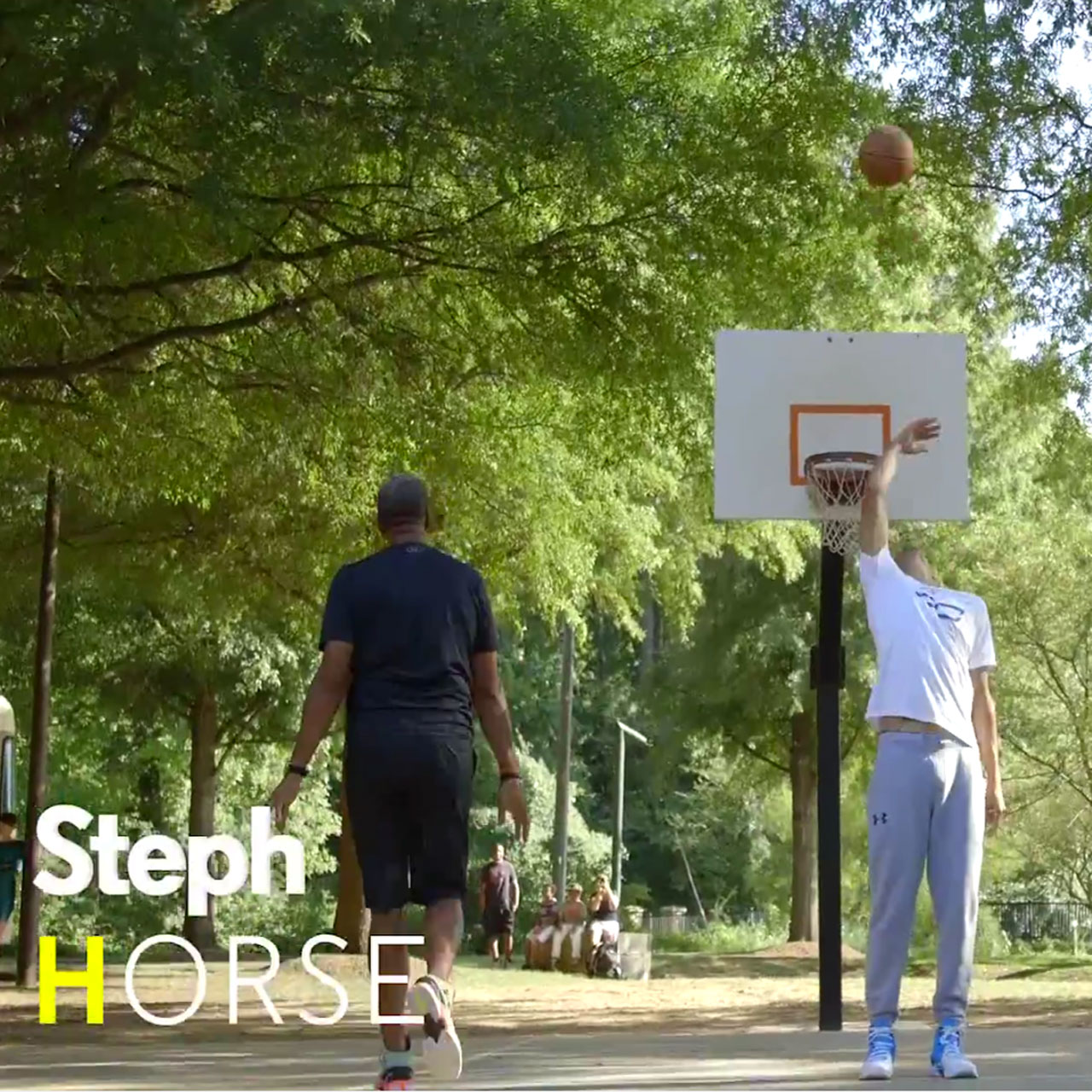 Steph Curry beats father Dell Curry in a game of HORSE