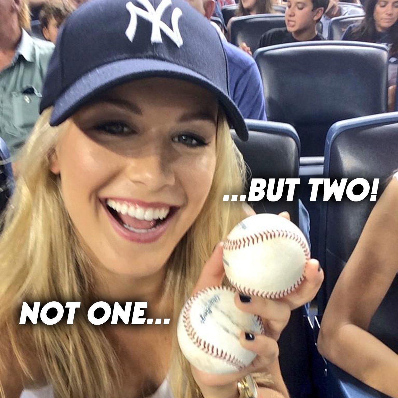 Tennis-pro Eugenie Bouchard catches two foul balls at Yankees game